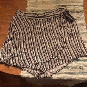 Cute summer shorts with front to look like skirt